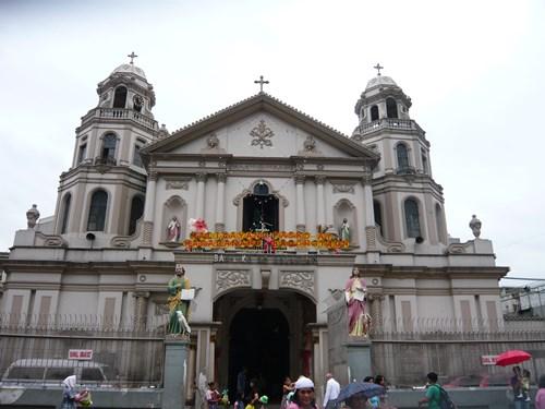 フィリピン・マニラのキアポ教会