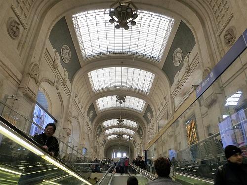 イタリア・ミラノのミラノ中央駅構内