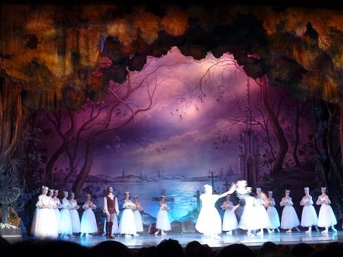 モスクワのロシア青年劇場でのバレエ観劇