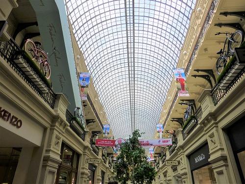 ロシア・モスクワのグム百貨店内部