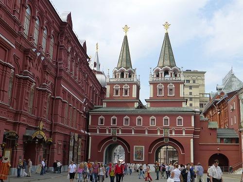 ロシア・モスクワの赤の広場近くのヴァスクレセンスキー門