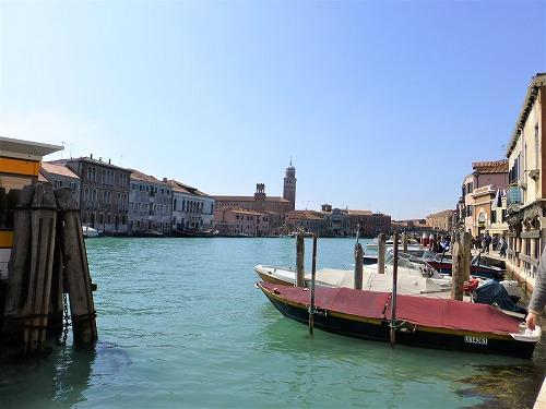 イタリア・ベネチア近くのムラーノ島の運河