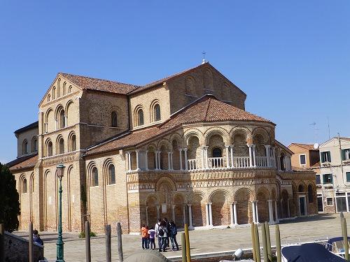イタリア・ベネチア近くのムラーノ島のサンティ・マリア・エ・ドナート教会