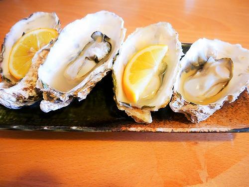 おかげ横丁の海老丸で食べた蒸し牡蠣