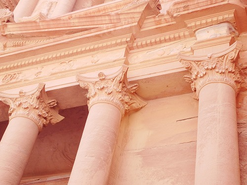 ペトラ遺跡(ヨルダン)のエル・ハズネの柱