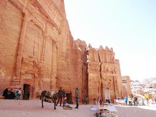 ペトラ遺跡(ヨルダン)のファサード通り