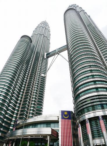 マレーシア・クアラルンプールのペトロナスツインタワー