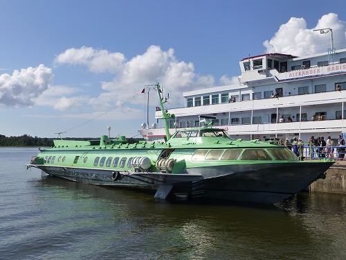 ロシア・ペトロザヴォーツクとキジ島を往復する高速船