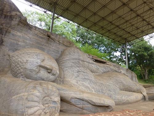 スリランカ・ポロンナルワのガル・ヴィハーラの涅槃仏