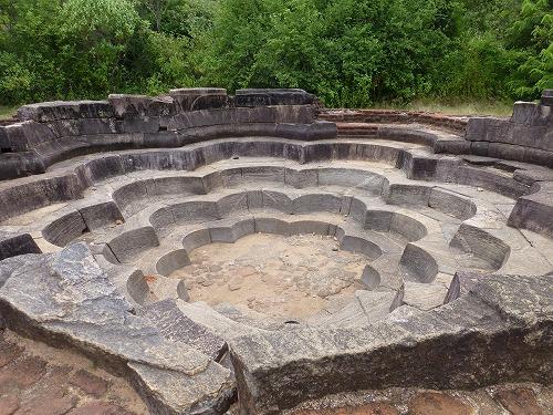スリランカ・ポロンナルワのハスの池