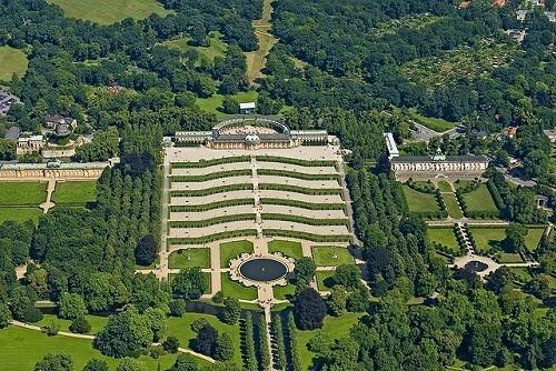 上空から見たポツダム(ドイツ)にあるサンスーシ庭園