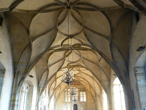 チェコ・プラハのプラハ城内にある旧王宮の内部