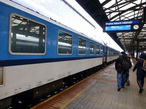 チェコのプラハからクトナー・ホラへ向かう鉄道