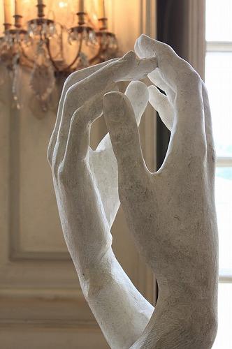 フランス・パリのロダン美術館に展示されている「カテドラル」