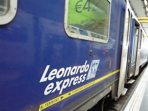 イタリア・ローマのフィウミチーノ空港とテルミニ駅を結ぶレオナルド・エクスプレス