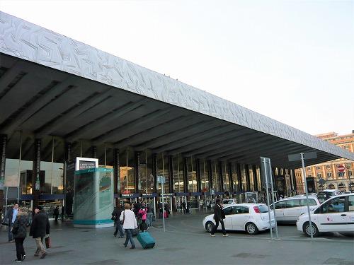 イタリア・ローマのフィウミチーノ空港とテルミニ駅
