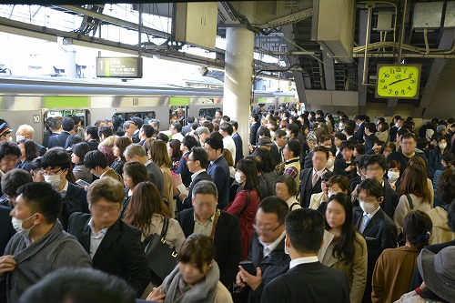 日本の通勤ラッシュ