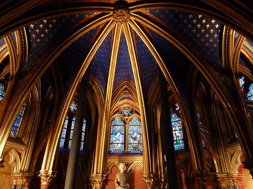 フランスのパリにあるサント・シャペルの下層