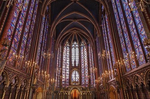 フランスのパリにあるサント・シャペルの上層