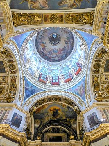 ロシア・サンクトペテルブルクのイサク大聖堂内部