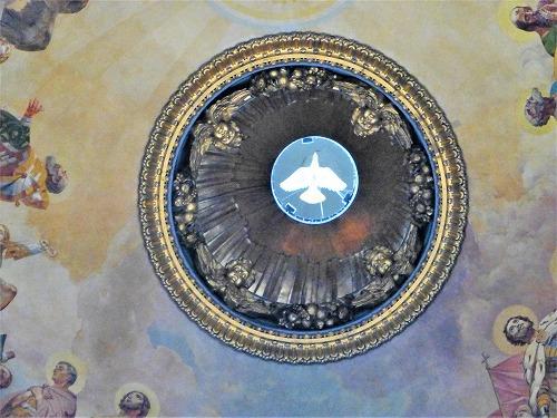 ロシア・サンクトペテルブルクのイサク大聖堂内部(ドーム屋根部分)