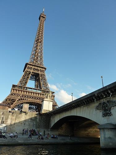 フランス・パリのセーヌ川クルーズでの風景(エッフェル塔)