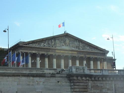 フランス・パリのセーヌ川クルーズでの風景(国民議会)