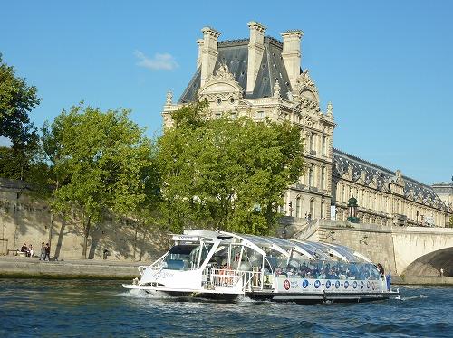 フランス・パリのセーヌ川クルーズ