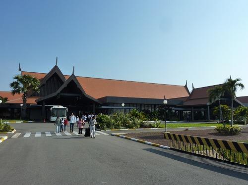 カンボジアのシェムリアップ国際空港の外観