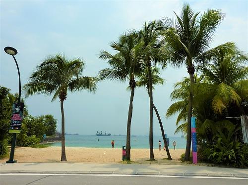 シンガポールのセントーサ島の砂浜