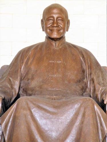 台湾・台北の中正紀念堂の紀念堂の蒋介石像