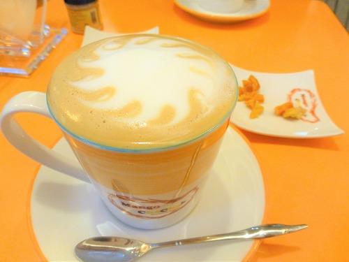 台北のマンゴーチャチャのマンゴーコーヒー