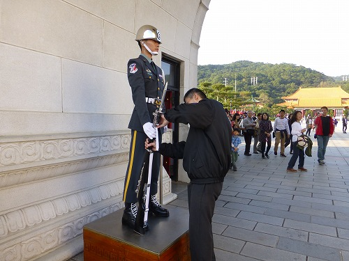 台湾・台北の忠烈祠の衛兵