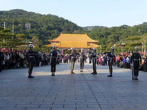 台湾・台北にある忠烈祠の衛兵交代式