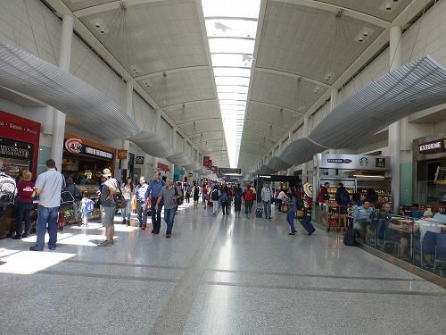 カナダのトロント・ピアソン国際空港内