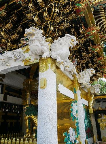 日光東照宮の陽明門の逆さ柱