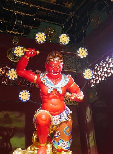 日光山輪王寺大猶院のニ天門の雷神像