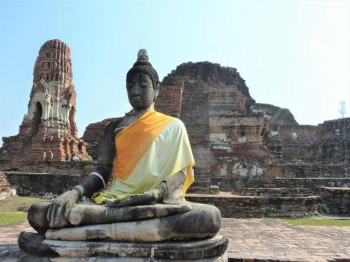 タイ・アユタヤ遺跡のワット・プラ・マハタートの仏像
