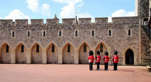 イギリスのウィンザー城の衛兵交代式