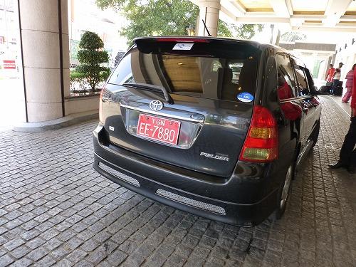 ミャンマー・ヤンゴンのタクシー