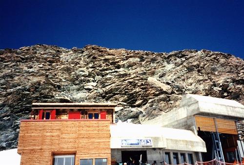 スイスのツェルマットのロープウェイ駅
