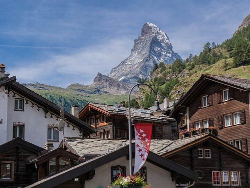 スイスのツェルマットから見るマッターホルン